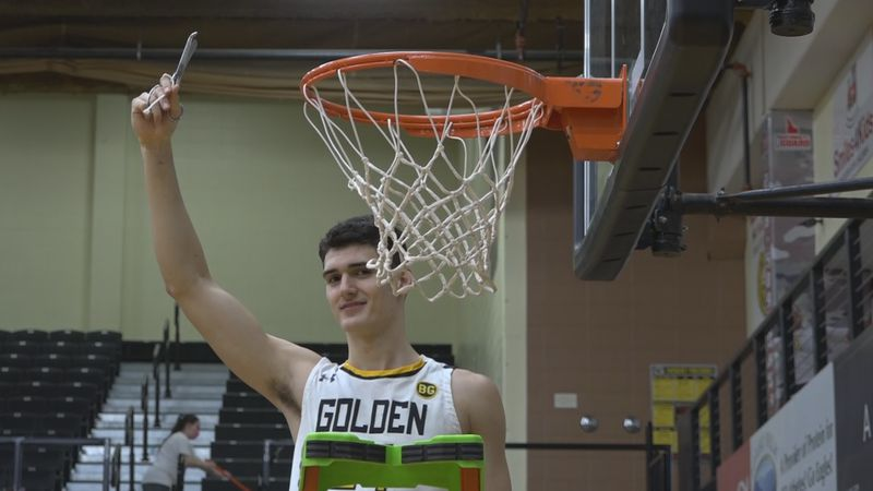With a dominant win over Colorado Northwestern, the Golden Eagle men are conference champs once...