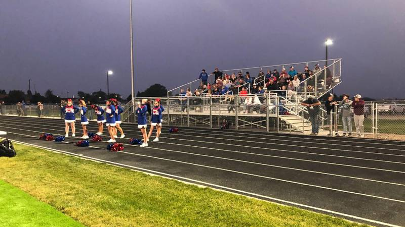 The Wolves have no problem with the Red Devils Friday night in Murtaugh.