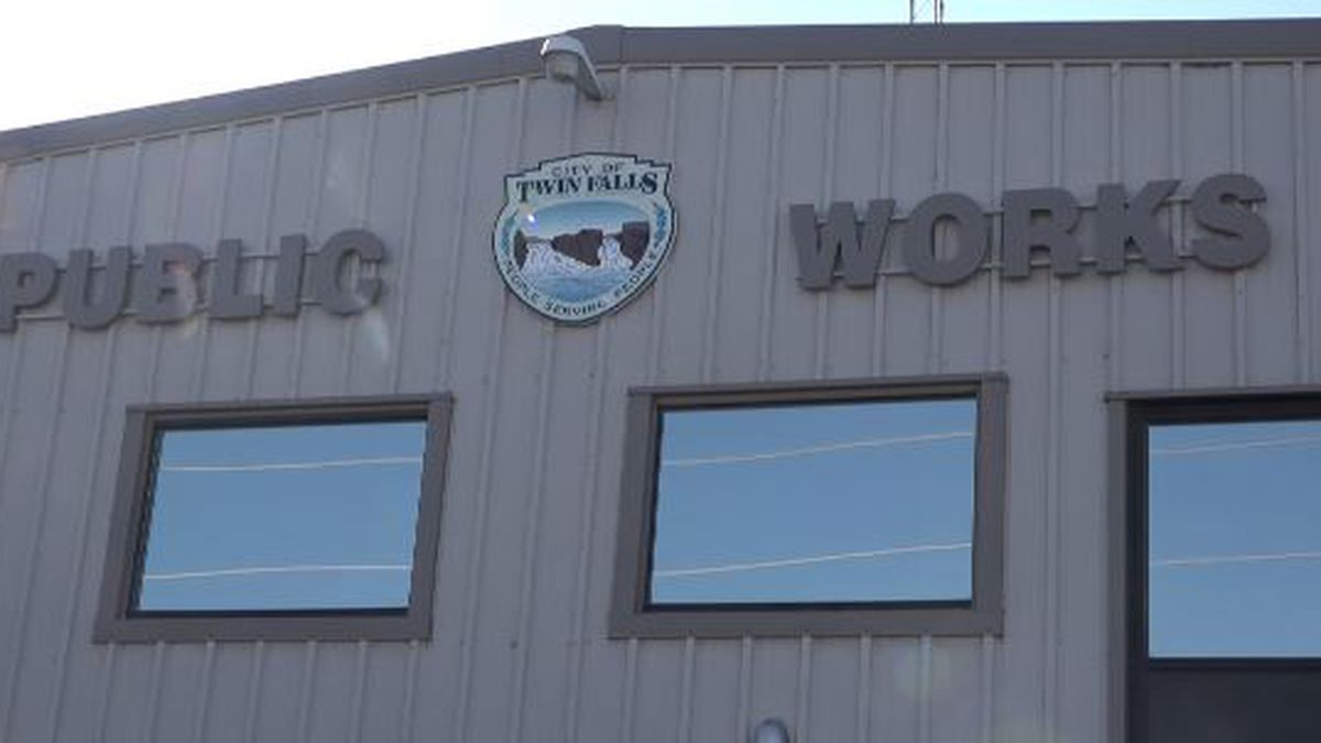 As the temperature drops, Twin Falls prepares to shut down and winterize their irrigation systems. (Source: KMVT)