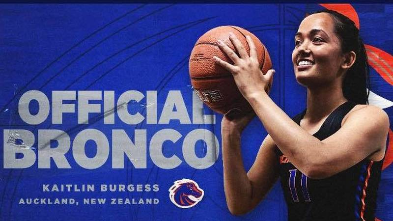 Former CSI All-American Kaitlin Burgess signs with Boise State Women's Basketball.