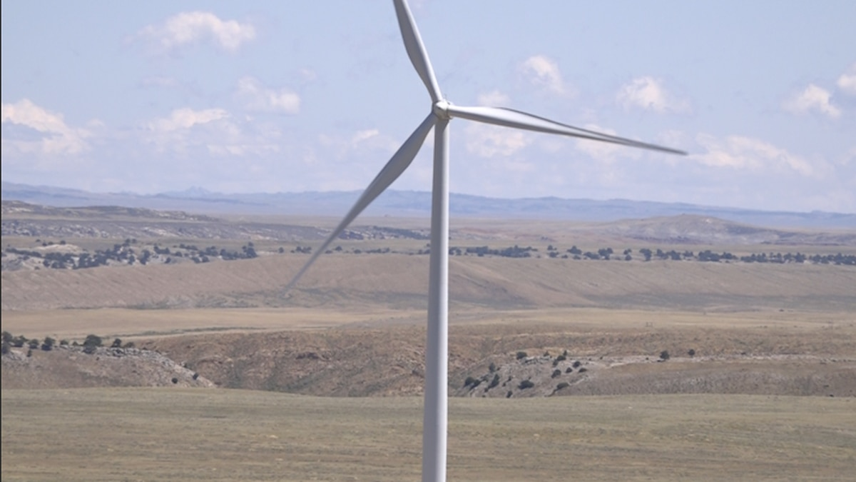 A wind turbine spins on Seven Mile Hill Wind Farm in Hanna, Wyoming.  This is just one of 79 turbines currently on the property. (Source: GrayDC)