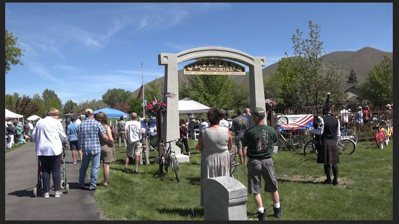 Memorial Day Ceremony brings a large crowd to Hailey Cemetery