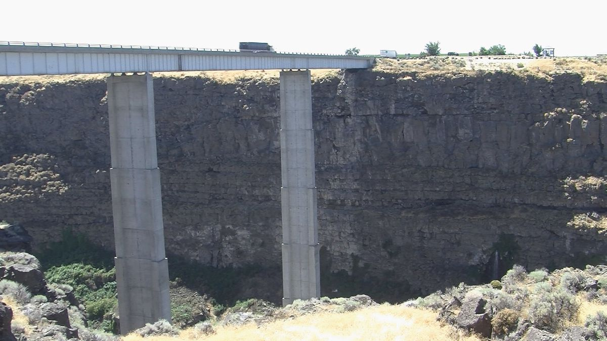 KMVT File image of the Hansen Bridge. Idaho State Police is investigating a crash Tuesday afternoon along State Highway 50 that is blocking all lanes of traffic at the Hansen Bridge.