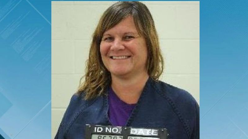 Crystal Anne Norton 40 years old wanted by IDOC