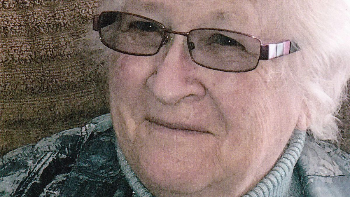 Loretta Fern (Pagac) Bird left her home of 57 years to rejoin her husband – George Gibb Bird the afternoon of July 1, 2020.