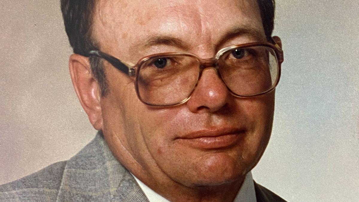 DelRoy Earl Hanson, 86, of Hazelton, Idaho passed away at his home, Monday, January 11, 2021.