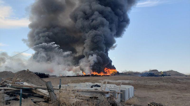 1000-2000 tires were set ablaze