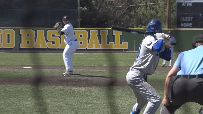 The Golden Eagles now sit two games behind Salt Lake in Scenic West standings