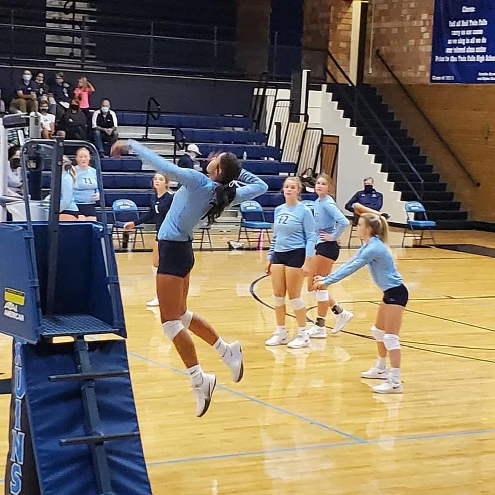 The Bruins faced the Minico Spartans in a five-set battle Thursday night.