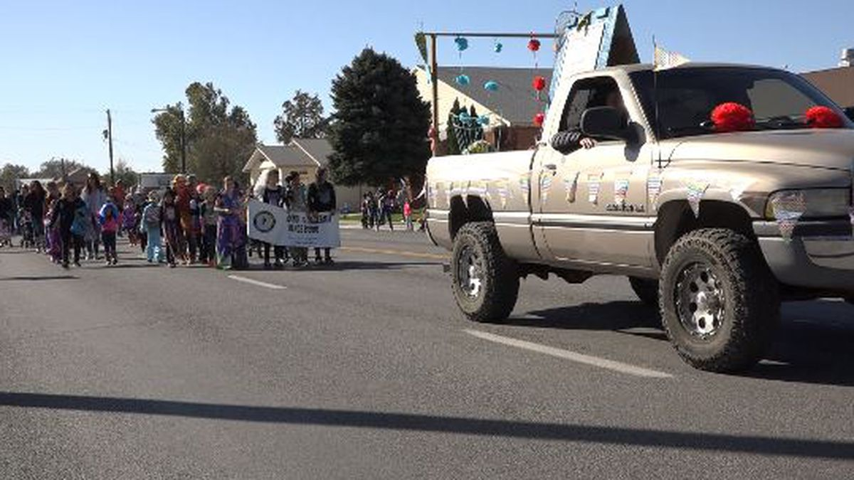 Hagerman had their 3rd Annual Fossil Day Parade. (Source: KMVT)