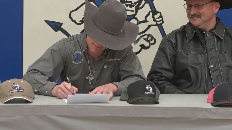 Dietrich's Shaw signs with CSI Rodeo. Wes will join his brother Tel in Twin Falls