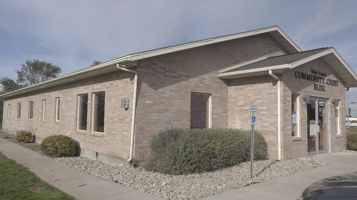 The Mini-Cassia Chamber of Commerce is getting a needed facelift thanks to the city of Heyburn.